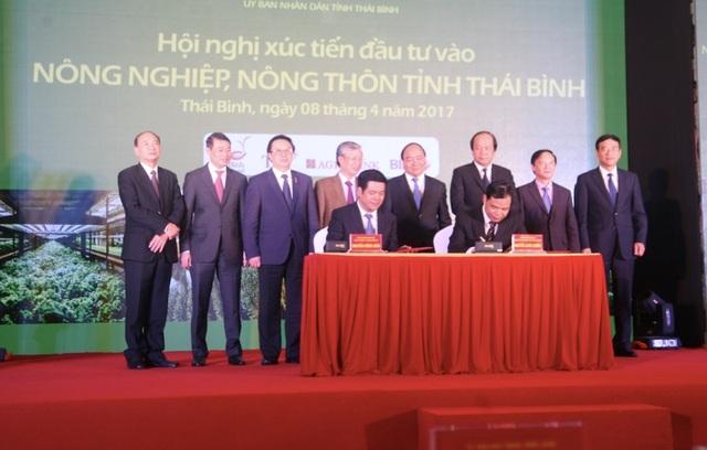 Ký kết văn bản ghi nhớ giữa UBND tỉnh với Bộ Nông nghiệp và Phát triển nông thôn tại Hội nghị