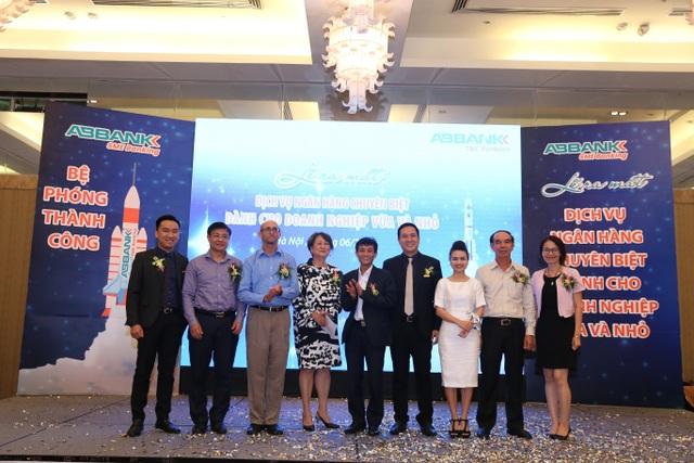 ABBANK chính thức ra mắt Dịch vụ Ngân hàng chuyên biệt cho Doanh nghiệp vừa và nhỏ (SME Banking) và phát triển danh mục 7 sản phẩm về cho vay thế chấp và cho vay tín chấp.