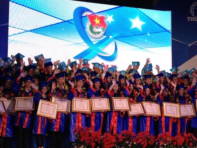 Hội Sinh viên VN tại TP.HCM vinh danh 84 thủ khoa đầu ra và đầu vào năm 2017