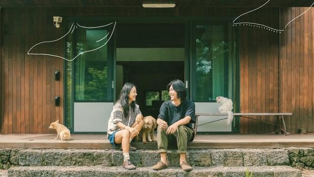 Lee Sang Soon yêu cầu fan ngừng tới thăm nhà của họ, trả lại cho vợ chồng anh không gian bình yên.
