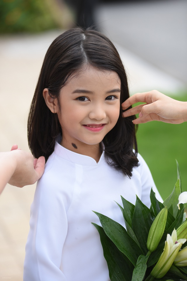 Dương Ngọc Bảo Hân (tên thường gọi là Suri) sinh ngày 6/2/2012, hiện đang học mẫu giáo tại Hà Nội.