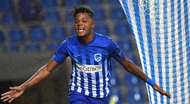 Leon Bailey được M.U, Liverpool theo đuổi sát sao nhưng cuối cùng, cầu thủ này lại quyết định đầu quân cho Leverkusen. Đội bóng nước Đức đã mất tới 10,6 triệu bảng chiêu mộ cầu thủ người Jamaica. Con số ấy cho thấy họ đặt kỳ vọng rất lớn vào Leon Bailey.