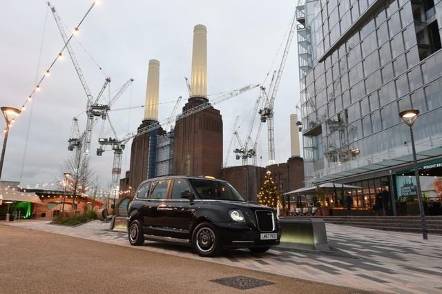 Taxi đen biểu tượng của London sẽ chạy bằng điện - 2