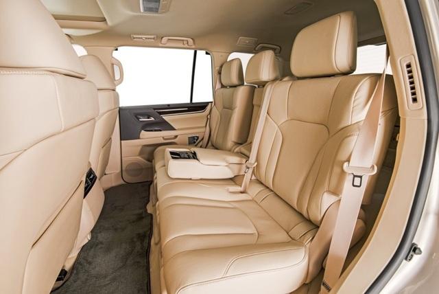 Lexus LX 570 có thêm phiên bản 5 chỗ - 8