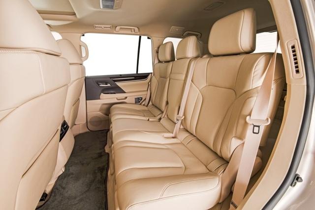 Lexus LX 570 có thêm phiên bản 5 chỗ - 7