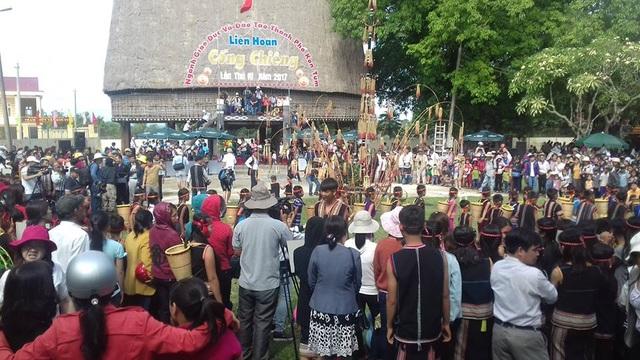 Liên hoan Cồng chiêng lần thứ IV tại thành phố Kon Tum