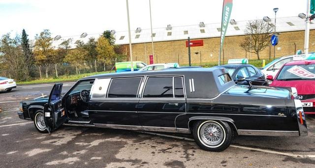 Limousine cũ của ông Trump được trang bị những gì? - 12