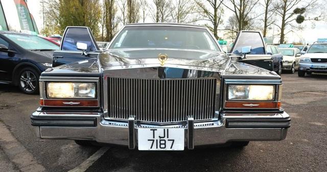 Limousine cũ của ông Trump được trang bị những gì? - 3