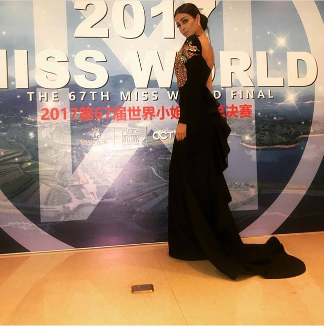 Hoa hậu Mỹ Linh diện áo dài trắng trong tiệc từ thiện của Hoa hậu Thế giới 2017 - 16