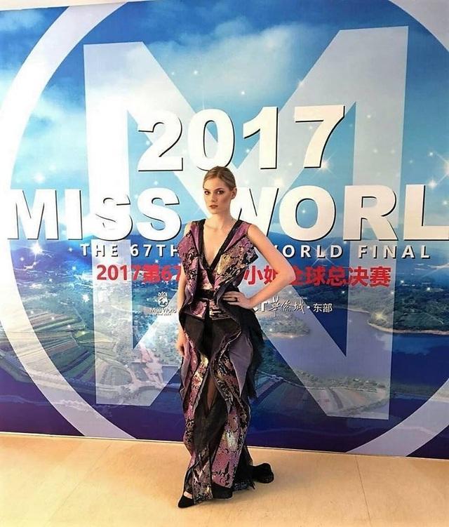 Hoa hậu Mỹ Linh diện áo dài trắng trong tiệc từ thiện của Hoa hậu Thế giới 2017 - 23