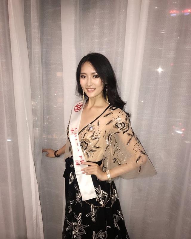 Hoa hậu Mỹ Linh diện áo dài trắng trong tiệc từ thiện của Hoa hậu Thế giới 2017 - 25