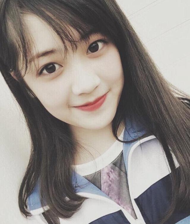 Nét đẹp của Khánh Linh vẫn còn mang vẻ bầu bĩnh trẻ thơ