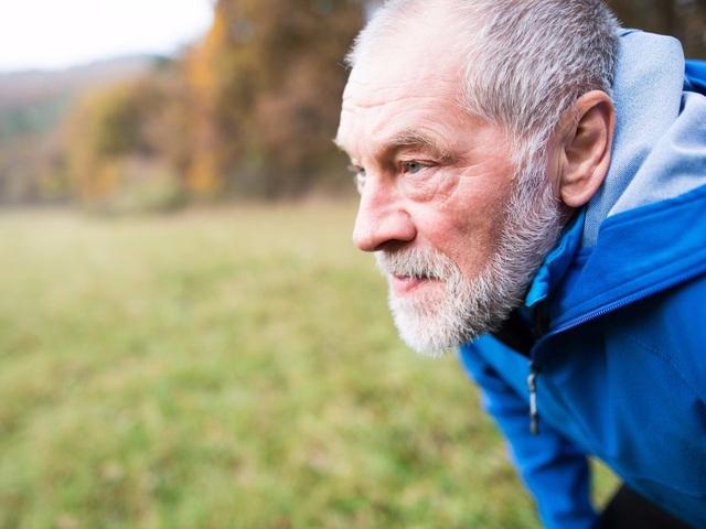 Vì sao nhiều người cao tuổi vẫn giữ được sự minh mẫn? - 1