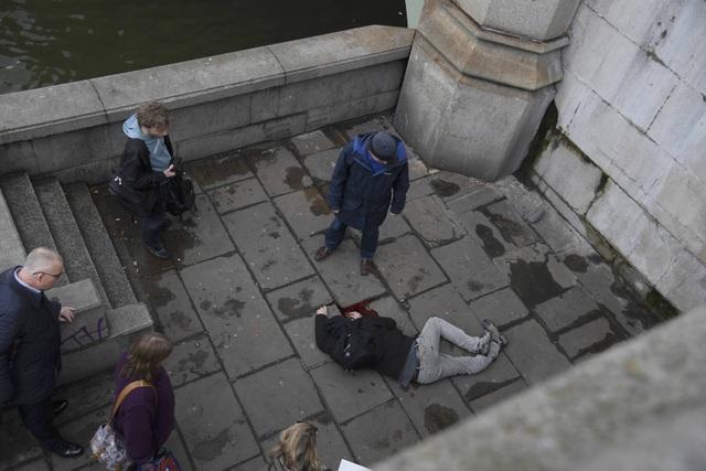 Đây là vụ tấn công đẫm máu nhất ở London kể từ sau vụ 4 phần tử Hồi giáo đánh bom liều chết khiến 52 người thiệt mạng hồi tháng 7/2005. (Ảnh: Reuters)
