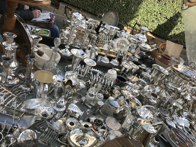 Những món đồ bạc tinh xảo có giá chỉ từ vài bảng Anh.