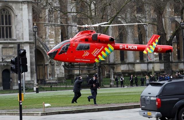 An ninh được siết chặt sau vụ khủng bố London. (Ảnh: Getty)