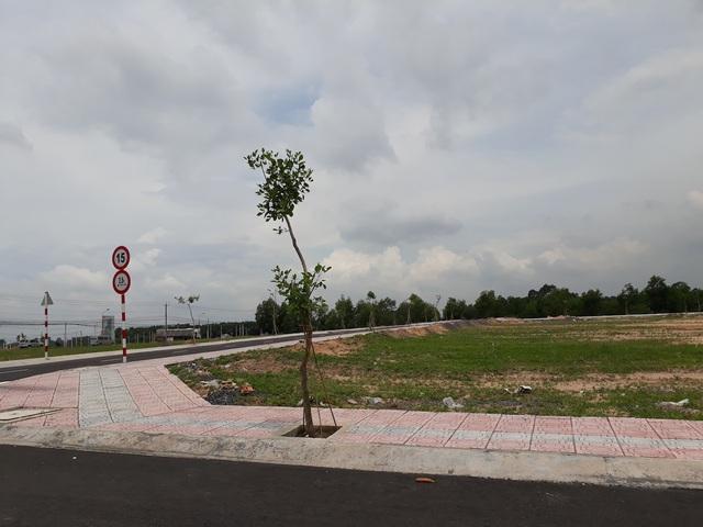 """Khu vực có đất rao bán nhiều nhất là các xã Bình Sơn và Lộc An (huyện Long Thành), đây là 2 xã chỉ bị giải tỏa một phần diện tích nên được coi là có cơ hội """"sinh lời"""" cho nhà đầu tư"""