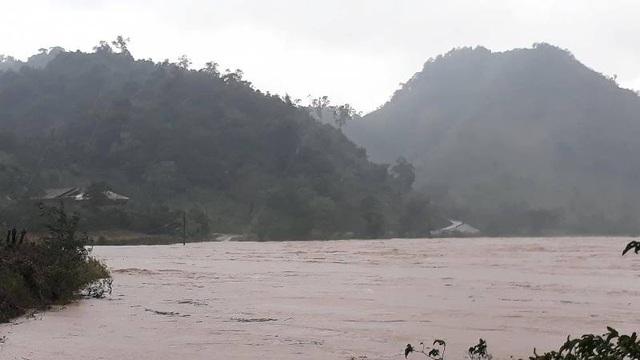 Một số khu vực tại huyện miền núi Đakrông bị chia cắt