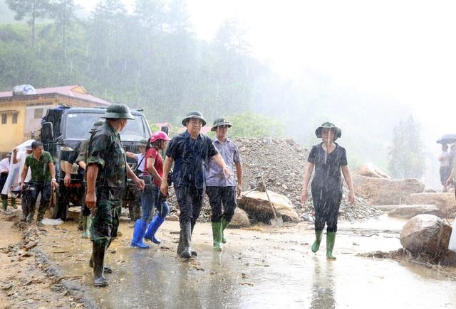 Nỗ lực tìm kiếm người mất tích trong lũ quét tại Yên Bái - 3