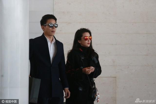 Lý Băng Băng và bạn trai nhanh chóng thu hút sự quan tâm của người hâm mộ và truyền thông. Hai người công khai tình cảm vào đầu năm 2017 sau khi những bức ảnh đi nghỉ của họ tại Tam Á vào cuối năm 2016 và đầu năm 2017 được đăng tải.