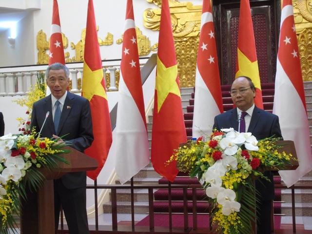 Hai Thủ tướng khẳng định tầm quan trọng của hòa bình, ổn định, an ninh, an toàn hàng hải tại Biển Đông