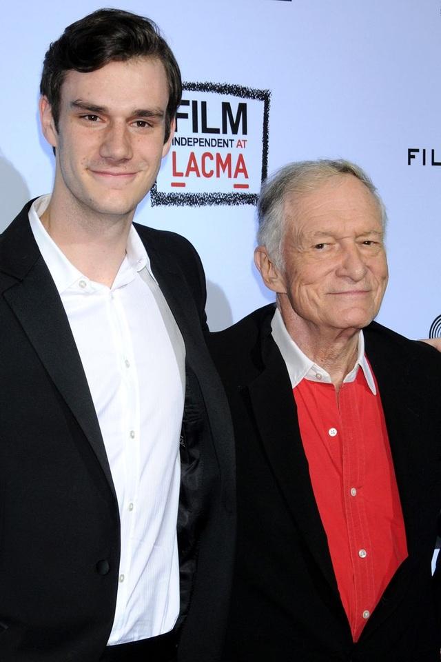 Marston Hefner bên người cha nổi tiếng