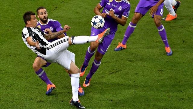 Siêu phẩm của Mandzukic là bàn thắng đẹp nhất Champions League mùa này