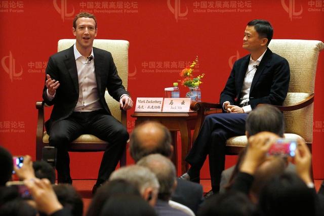 CEO Facebook Mark Zuckerberg gặp gỡ với Jack Ma tại Trung Quốc.