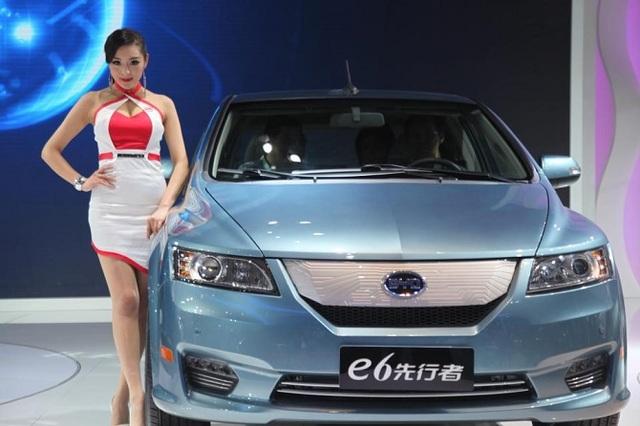 Mẫu BYD e6 chạy hoàn toàn bằng điện của Trung Quốc