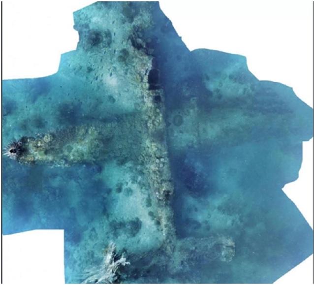 Sử dụng một robot được trang bị hệ thống sonar dưới nước, một nhóm các nhà khoa học đã phát hiện ra những mảnh vỡ của một chiếc máy bay ném bom B-25 từ thế chiến thứ hai ở ngoài khơi Papua New Guinea.