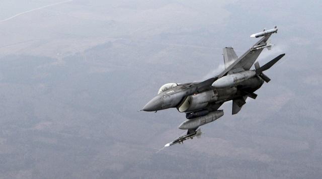 Một máy bay chiến đấu F-16. (Ảnh: Reuters)