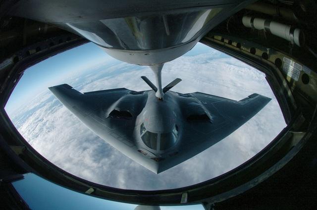 Máy bay ném bom tàng hình B-2 của Mỹ (Ảnh: National Interest)