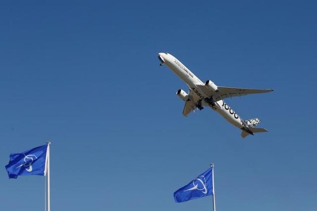 Mẫu máy bay A350-1000 của Airbus được cho là sẽ tạo ấn tượng tại triển lãm hàng không PAS lần thứ 52 khi được thiết kế với hai lối đi dành cho những chuyến bay dài.