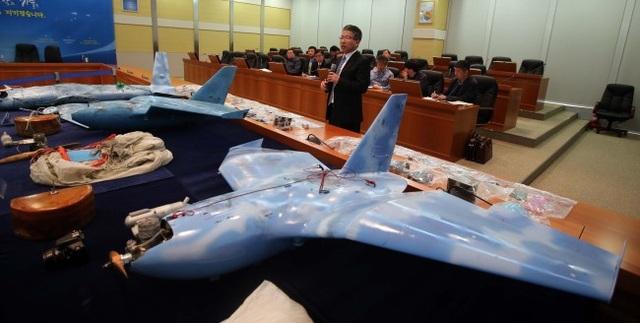 3 máy bay không người lái được cho là của Triều Tiên bị Hàn Quốc thu giữ vào năm 2014 (Ảnh: Korea Herald)