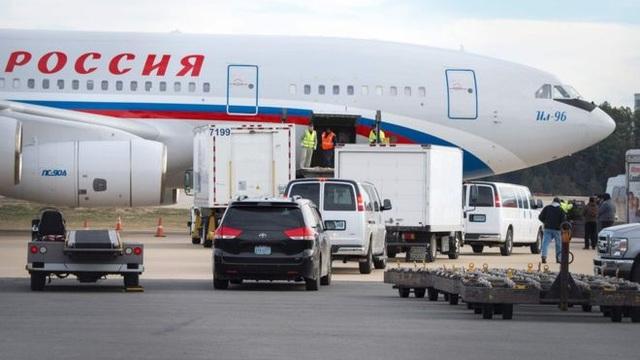 Máy bay chở các nhà ngoại giao Nga đã rời Washington ngày 1/1 (Ảnh: Getty)