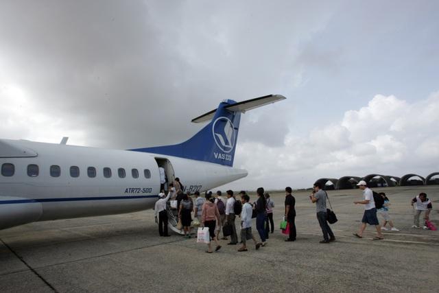 Hành khách đi máy bay của VASCO tự ý mở cửa thoát hiểm
