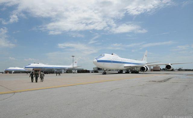 """Phi đội máy bay """"Ngày tận thế"""" E-4B Nightwatch siêu tối mật gồm 4 chiếc máy bay Boeing 747 nâng cấp với những tính năng đặc biệt. (Ảnh: Reuters)"""