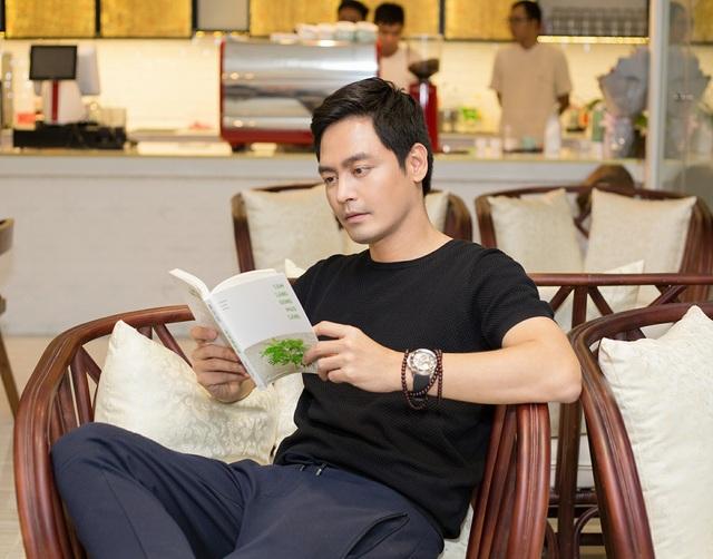 MC Phan Anh đang cùng vợ có chuyến công tác ở nước ngoài.