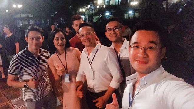 Phí Linh và dàn trai đẹp của VTV.
