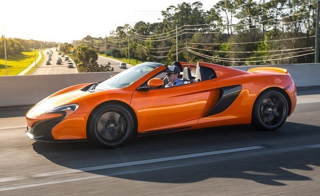 Mẫu McLaren 650S Spider có giá tính lệ phí trước bạ lên tới trên 22 tỷ đồng