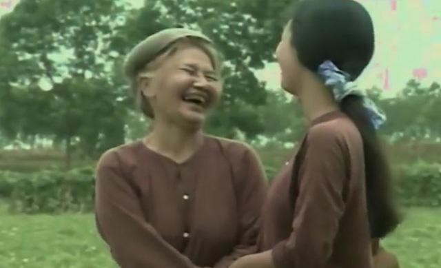 Cảnh mẹ chồng nàng dâu yêu thương nhau trong Mẹ chồng tôi. Ảnh: TL.