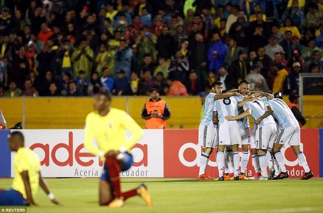 Phút 62, Messi nâng tỷ số lên 3-1 cho Argentina
