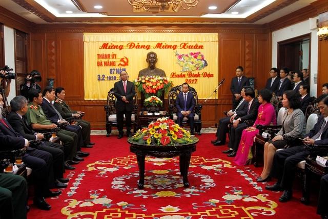 Thủ tướng Nguyễn Xuân Phúc đã đến thăm và chúc Tết Thành ủy Đà Nẵng