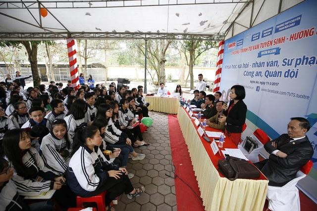 TS Phạm Mạnh Hà - Phó trưởng Khoa Công tác Thanh niên Học viện Thanh thiếu niên Việt Nam cho rằng các bạn học sinh khi chưa biết mình thích gì thì cần tìm hiểu kĩ hơn.