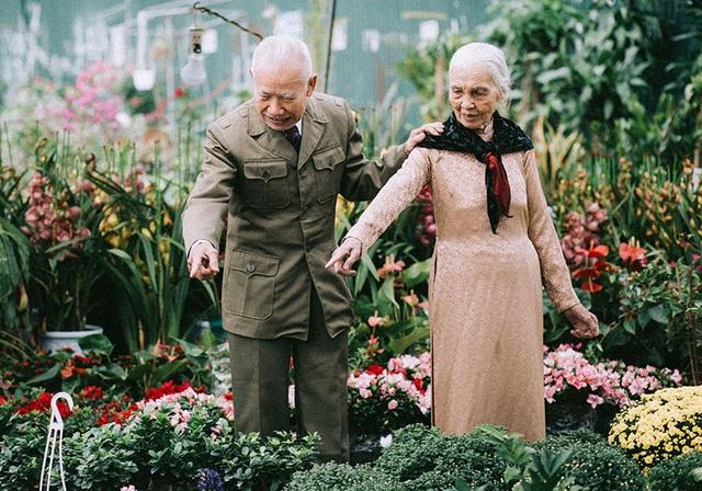 """Tình như cặp đôi 90 tuổi trong bộ ảnh """"Ông bà em"""" - 11"""