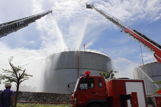 Triển khai phương tiện chữa cháy