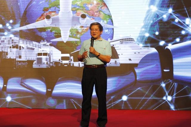Nguyễn Thành Hưng, Thứ trưởng Bộ thông tin và Truyền thông, cho rằng trong tương lai sẽ chứng kiến nhiều ứng dụng AI hỗ trợ chuyên gia, thậm chí có thể thay thế họ.
