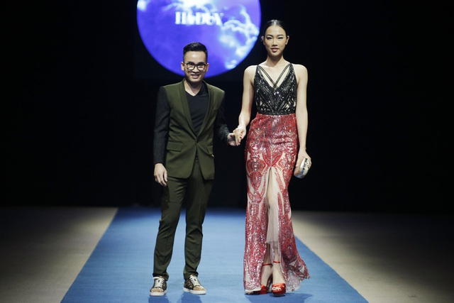 Nhìn chung các BST trong đêm Ready to Wear đều có tính ứng dụng cao, bắt kịp xu thế thời trang chung của thế giới.