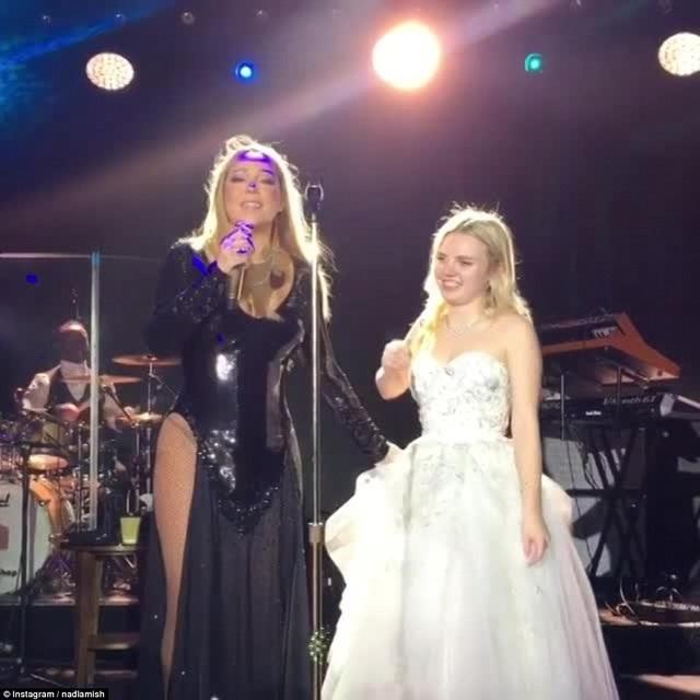 Tỷ phú Nga Valery Kogan được cho là đã chi ra 2,5 triệu bảng Anh để mời diva Mariah Carey bay từ Mỹ sang Nga hát trong đám cưới cháu gái Irene Kogan