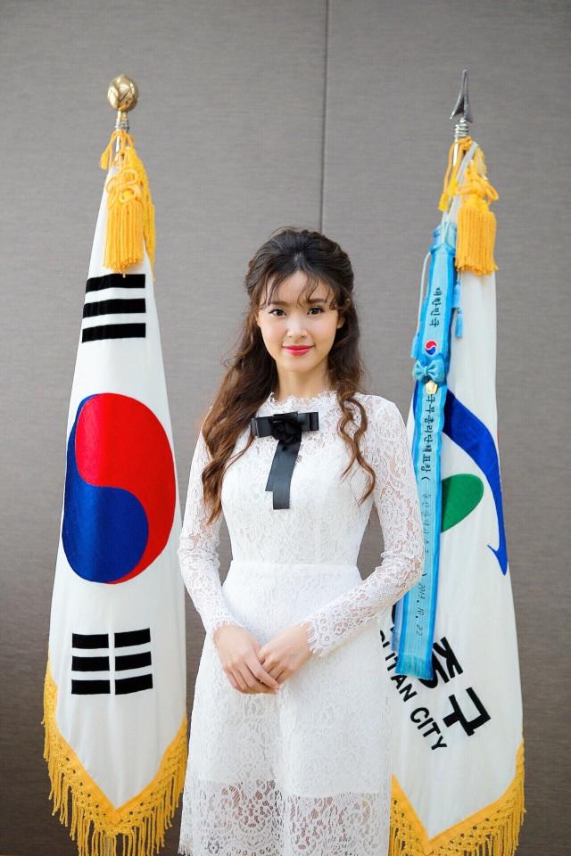 """Hậu scandal """"giảng viên - trợ giảng"""", Midu bí mật sang Hàn Quốc - 8"""